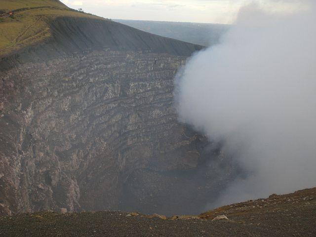 cratermasaya2.jpg